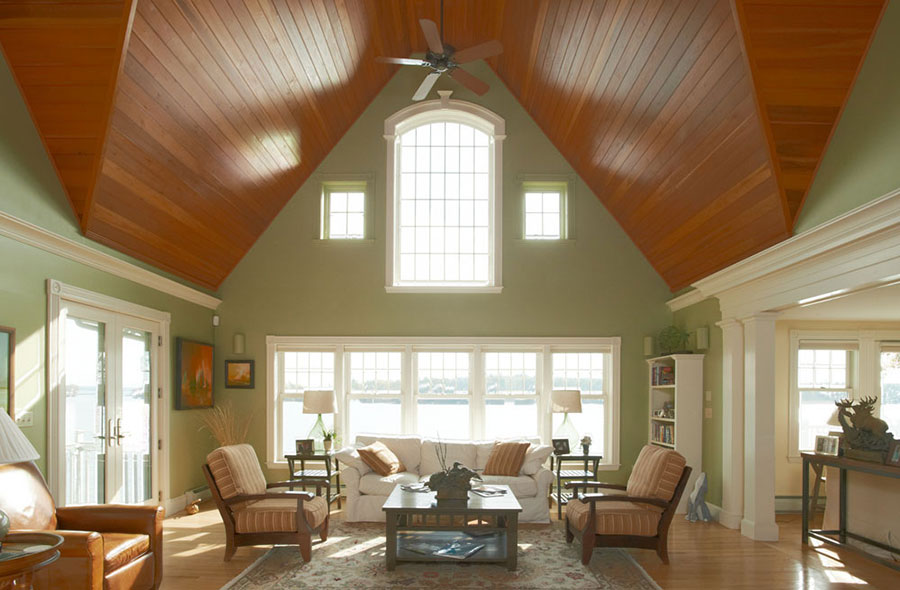 Cottage-Living-Room-Vaulted-Ceilings