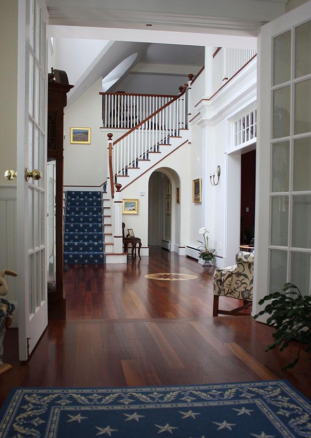 Cousins-Island-Cottage-Hallway