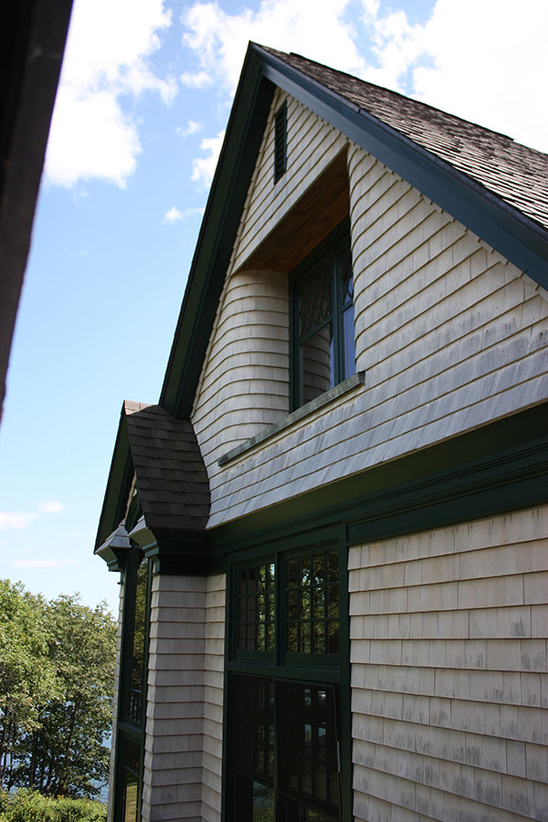 cottage-curved-shingles