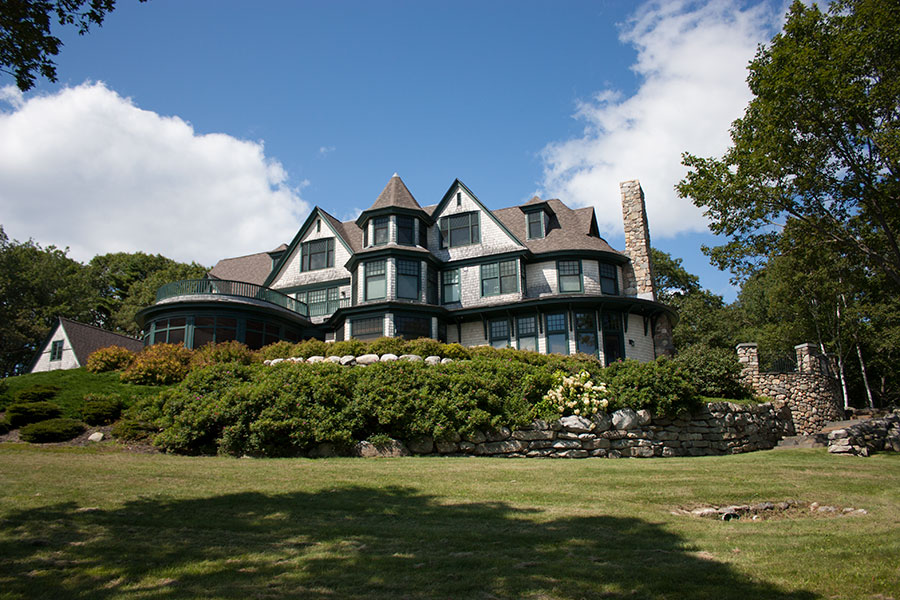 victorian-shingled-island-cottage